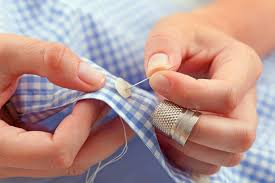 hand-sewing-button